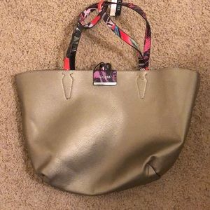 New Guess Reversible Tote